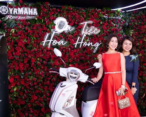 Bức tường hoa hồng tại dạ tiệc của Yamaha.