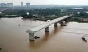 Cầu hơn 350 tỷ xây dang dở vì vướng 10 hộ dân
