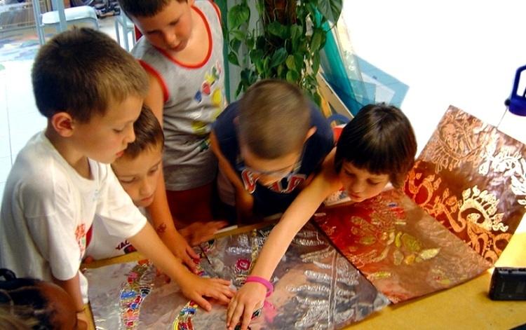 Một giờ học trong trường mầm non sử dụng phương pháp Reggio Emilia.