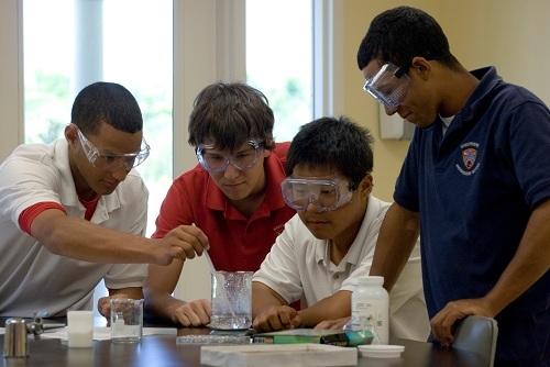 Nhiềuhọc sinh sau tốt nghiệp 3 trường North Broward Preparatory School, Winderemere Preparatory School, The Village School được nhận vào các đại học danh tiếng hàng đầu.