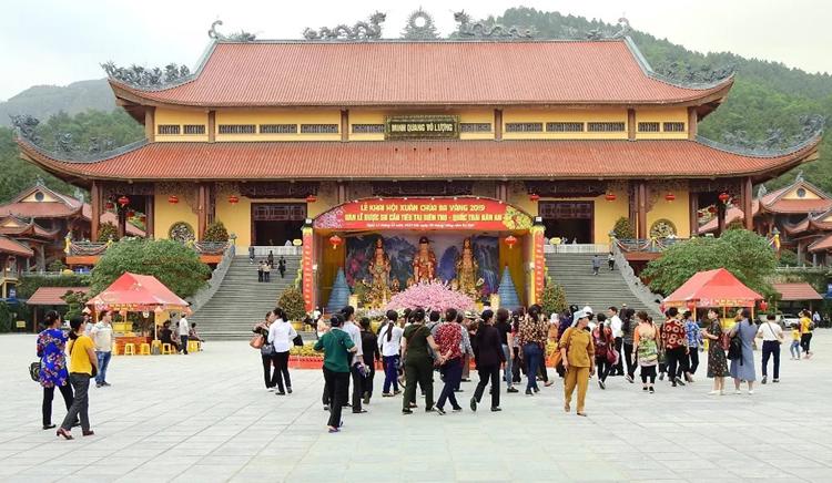 Chùa Ba Vàng, Quảng Ninh. Ảnh: Minh Cương