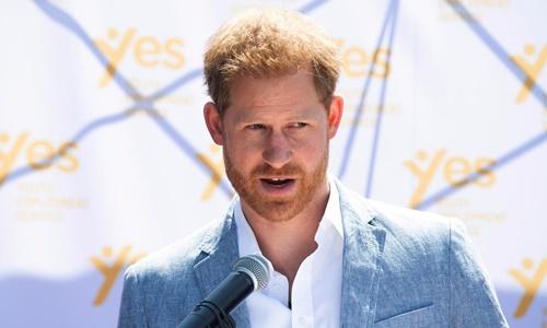 Hoàng tử Anh Harry phát biểu tại một sự kiện ở Nam Phi ngày 2/10. Ảnh: Reuters.
