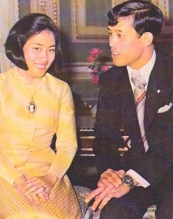 Nhà vua Vajiralongkorn và người vợ đầu Soamsawali Kitiyakara. Ảnh: Wordpress