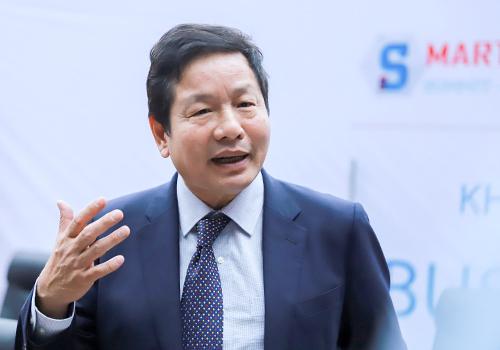 Ông Trương Gia Bình nhấn mạnh thành phố thông minh phải phục vụ tốt nhất cho người dân. Ảnh: Nguyễn Đông.