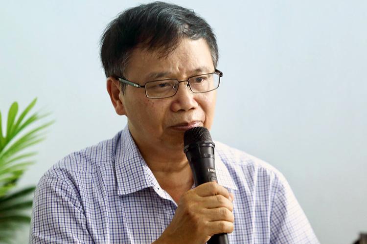 PGS.TS Nguyễn Hồng Tiến phát biểu tại tọa đàm. Ảnh: Gia Chính