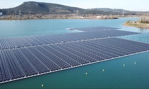 Nhà máy điện mặt trời nổi lớn nhất châu Âu