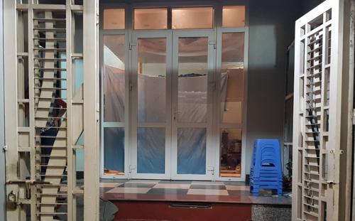 Bể chứa nước đặt ngầm dưới phòng khách của gia đình Nguyễn Viết Việt Anh. Ảnh: Tất Định