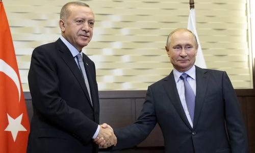 Tổng thống Erdogan (trái) gặp Tổng thống Putin hôm 22/10. Ảnh: AP.