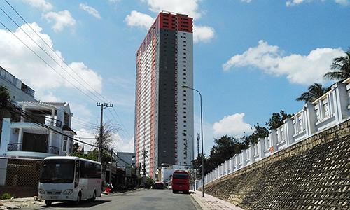 Chung cư cao 40 tầng ở Nha Trang bán căn hộ cho người nước ngoài. Ảnh: An Phước