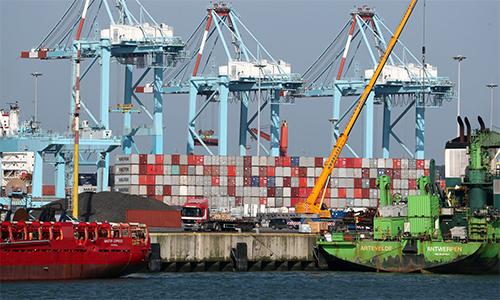 Container tại cảng Zeebrugge, Bỉ. Ảnh: PA.