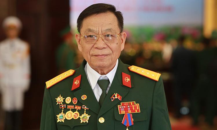 Đại úy Hà Văn Đức tại Lễ kỷ niệm 70 năm Quân Tình nguyện và Chuyên gia Việt Nam tại Lào hôm 29/10 ở Hà Nội . Ảnh: Tất Định