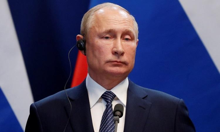 Putin tại buổi họp báo với Thủ tướngHungaria ởBudapest hôm 30/10. Ảnh: Reuters.