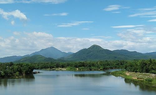 Thôn La Khê Trẹm nằm đầu dòng sông Hương nơi dòng sông Hữu Trạch, Tả Trạch gặp nhau. Ảnh: Võ Thạnh