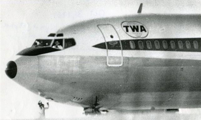 Máy bay TWA85 bị không tặc khống chế tại Bangor. Ảnh: Bangor Daily News.