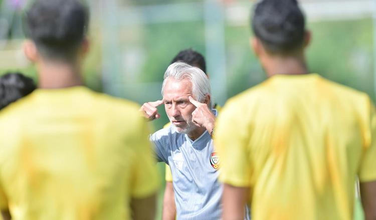 UAE lục đục nội bộ trước trận đấu Việt Nam