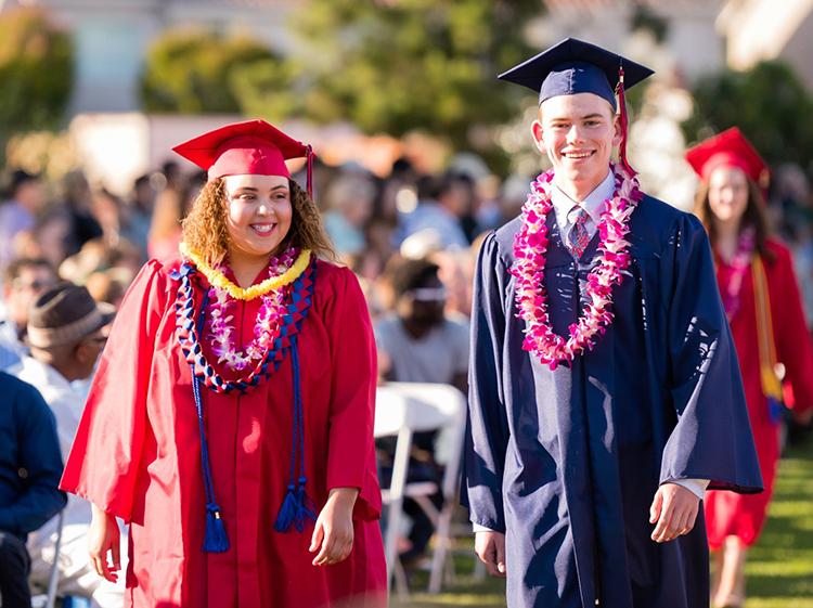 Học sinh Mỹ tốt nghiệp trung học nội trú Mỹ có cơ hội theo học tại các trường đại học danh tiếng.