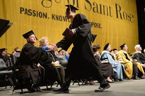 Phỏng vấn học bổng tới 70% tại Đại học Saint Rose, Mỹ - page 2 - 1