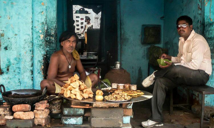 Một quầy bán đồ ăn ở Uttar Pradesh, Ấn Độ. Ảnh: Trover/Mattyboy876