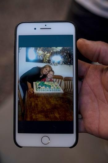 Dawna Langford, 43 tuổi, và con trai Trevor Langford, 11 tuổi lúc còn sống. Ảnh: New York Times.