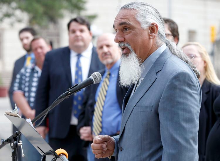 Jamie Balagia trong một lần phát biểu trước đám đông. Ảnh: William Luther/San Antonio Express-News.