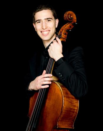Oliver Aldort, 25 tuổi, hiện là nghệ sĩ cello. Ảnh: Collagenewmusic.