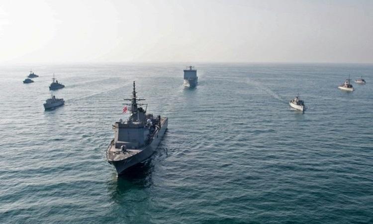 Các tàu chiến thuộc Hạm đội Năm của Hải quân Mỹ đóng tại Bahrain. Ảnh: AFP.