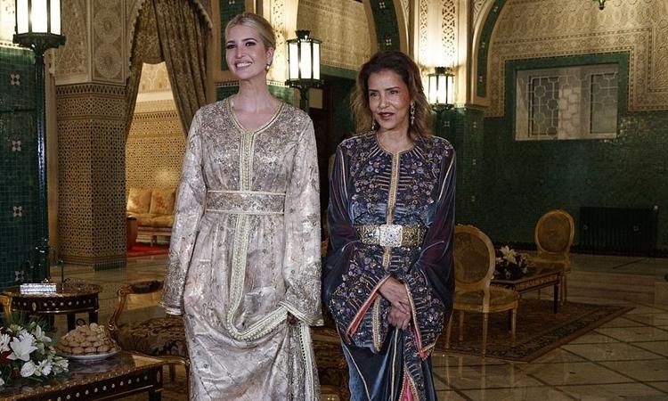 Ivanka Trump (trái) và Công chúa Morocco Lalla Meryem trong buổi dạ tiệc tối 7/11 tại cung điện hoàng gia ở thủ đô Rabat. Ảnh: AP.
