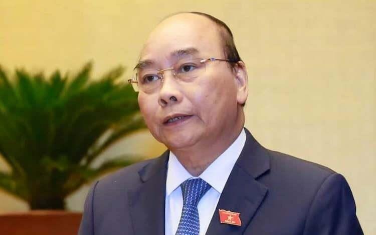 Thủ tướng Nguyễn Xuân Phúc trả lời chất vấn tại Quốc hội chiều 8/11. Ảnh: Ngọc Thắng