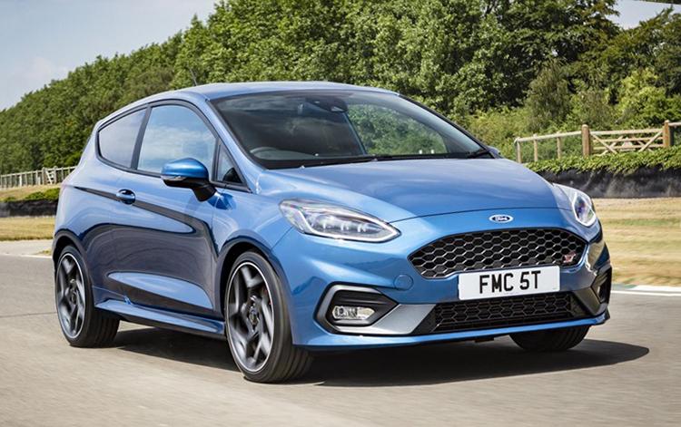 Ford Fiesta 2013-2017. Ảnh: Leasing