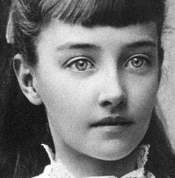 Gladys Marie Deacon vào thời niên thiếu. Ảnh: news.com.au.