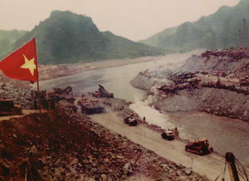 Công trường hơn 5.000 ngày đêm sáng đèn trên sông Đà