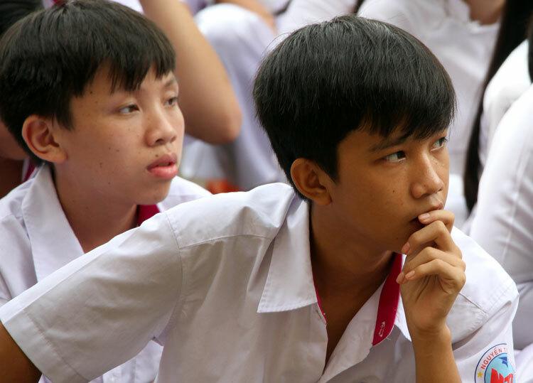 Học sinh trường THPT Nguyễn Trung Trực (quận Gò Vấp) trong một buổi sinh hoạt ngoại khoá về pháp luật và ứng xử trên mạng xã hội. Ảnh: Mạnh Tùng.