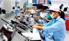 Công nhân phải xin làm thêm giờ vì thu nhập thấp