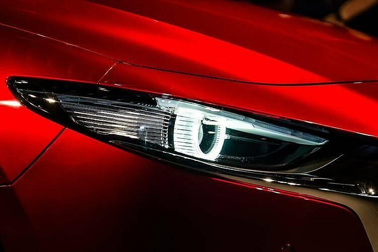 Mazda3 thế hệ mới nâng cấp thiết kế cho khách Việt