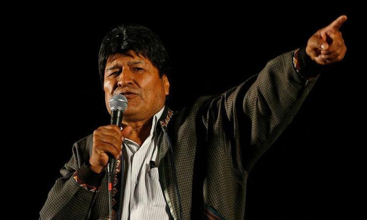 Tổng thống Bolivia Evo Morales tại một cuộc họp báo tại căn cứ không quân ở thành phố El Alto ngày 10/11. Ảnh: Reuters.