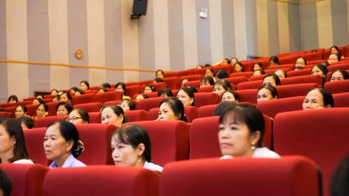 Cán bộ, hội viên, phụ nữ huyện Quế Võ, tỉnh Bắc Ninh tham gia tập huấn về Nông nghiệp sạch.
