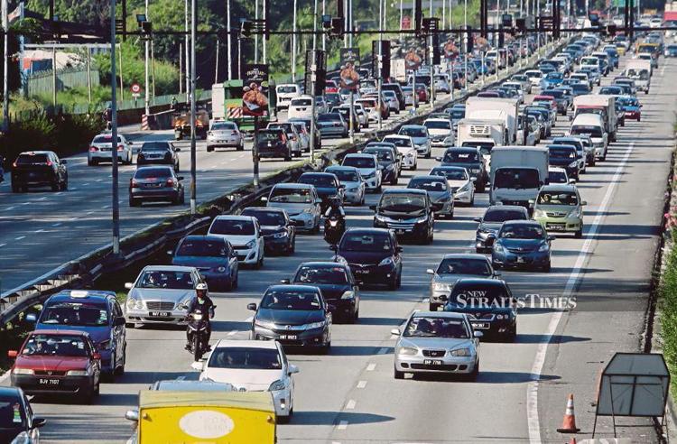 Hơn 87% người dân Malaysia ở Klang Valley thích tự lái ôtô đi làm một mình. Ảnh: New Straits Times