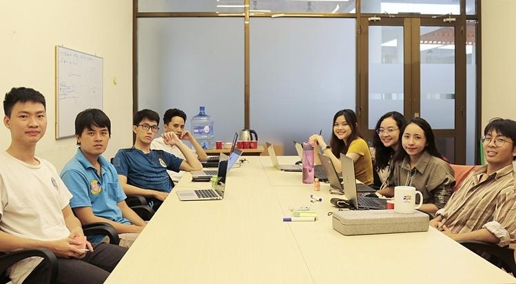 Các thành viên của dự án SHub Classroom. Ảnh: Nhân vật cung cấp