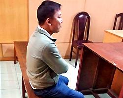 Cựu cảnh sát được tại ngoại hầu tòa. Ảnh: H. D.