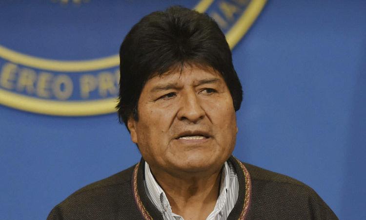 Cựu tổng thống Morales họp báo ở thành phố El Alto hôm 10/11. Ảnh: AFP.