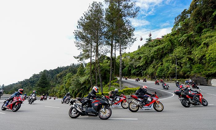 Cung đường cua dốc trong hành trình Honda Asian Journey 2019.