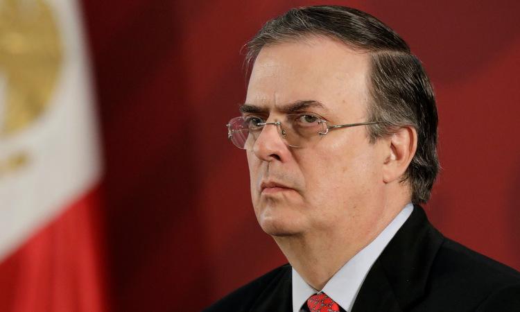 Ngoại trưởng Ebrard trong cuộc họp báo tại Mexico City hôm 11/11. Ảnh: Reuters.
