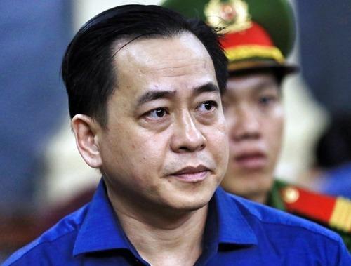 Vũ Nhôm tại một phiên tòa ở TP HCM cuối năm 2018. Ảnh: Hữu Khoa.