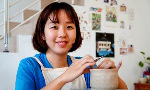 Cô gái Hàn đến Việt Nam mở xưởng gốm