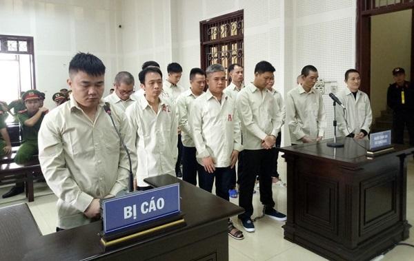 Các bị cáo tại tòa. Ảnh: Minh Cương