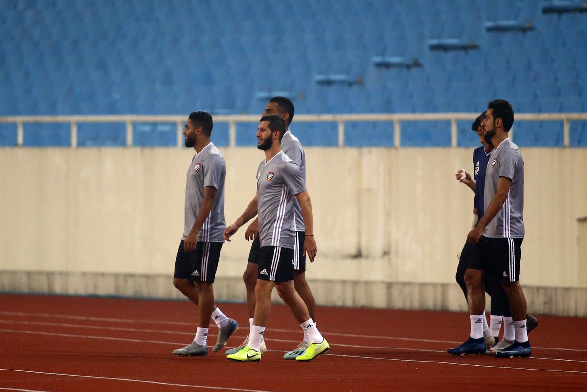 UAE làm quen sân Mỹ Đình