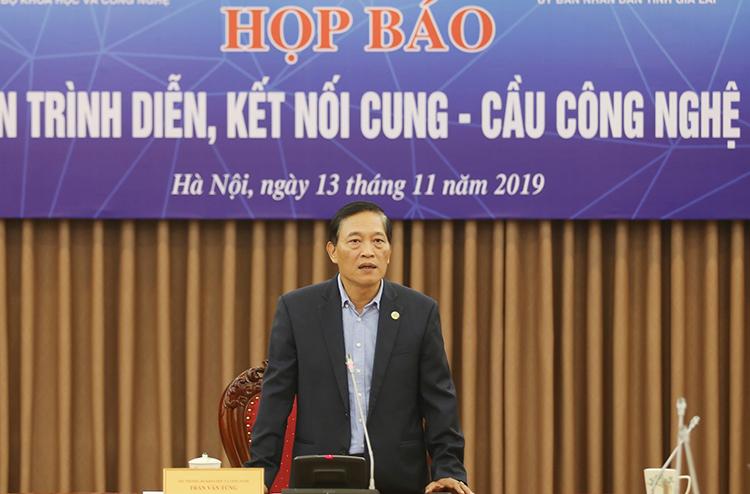 Thứ trưởng Trần Văn Tùng thông tin trong buổi họp báo chiều 13/11.