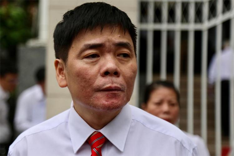 Luật sư Trần Vũ Hải tại phiên tòa sáng 13/11. Ảnh: Xuân Ngọc