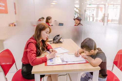 Các học viên sẽ được kiểm tra đầu vào để sắp xếp vào các lớp học phù hợp với trình độ và khả năng Anh ngữ của trẻ, đảm bảo hiệu quả học tập nhất.