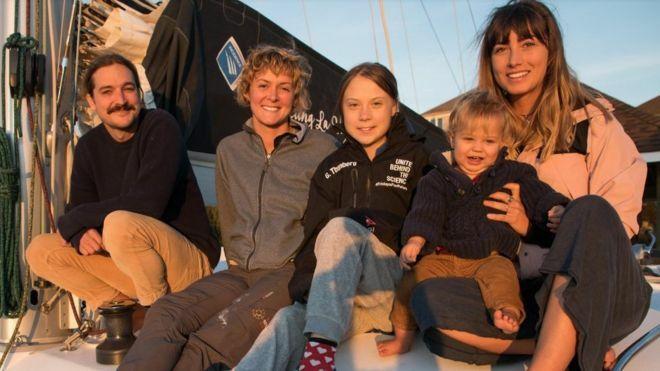 Greta Thunberg trên chiếc thuyền La Vagabonde cùng nhữngngười đồng hành đến Tây Ban Nha. Ảnh: Greta Thunberg/Facebook